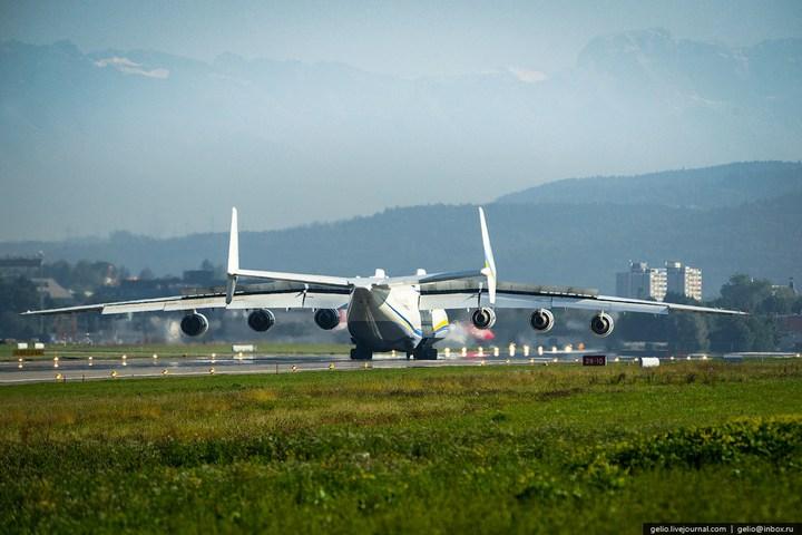 Ан-225 «Мрия» - самый большой самолет в мире (10)