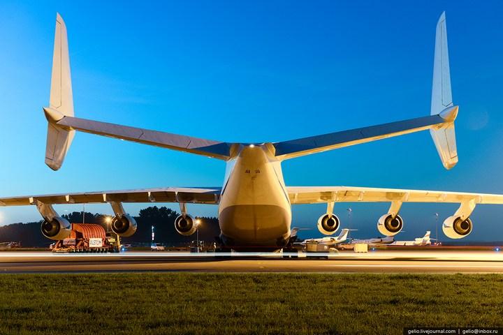 Ан-225 «Мрия» - самый большой самолет в мире (13)