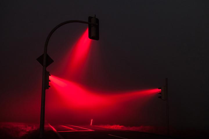 Красивые ночные снимки света от светофора (4)