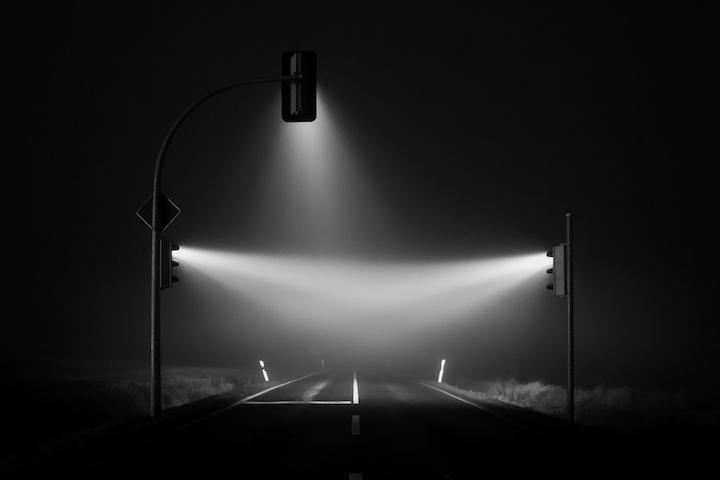 Красивые ночные снимки света от светофора (5)