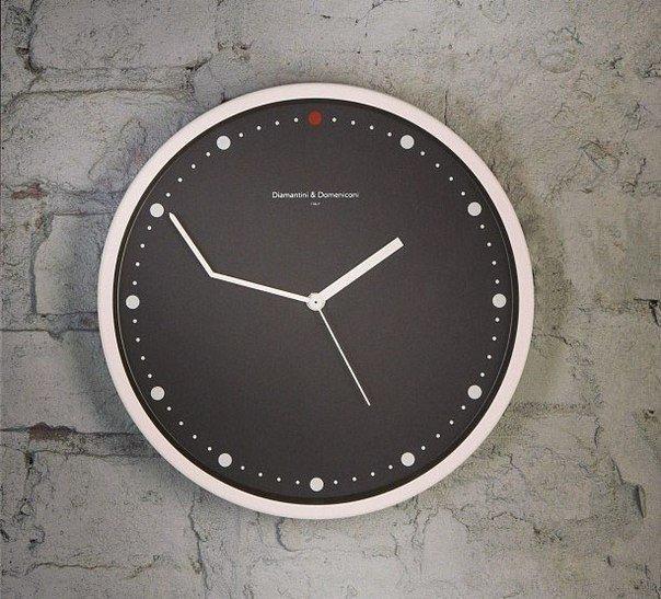 Часы для тех, кто постоянно опаздывает...