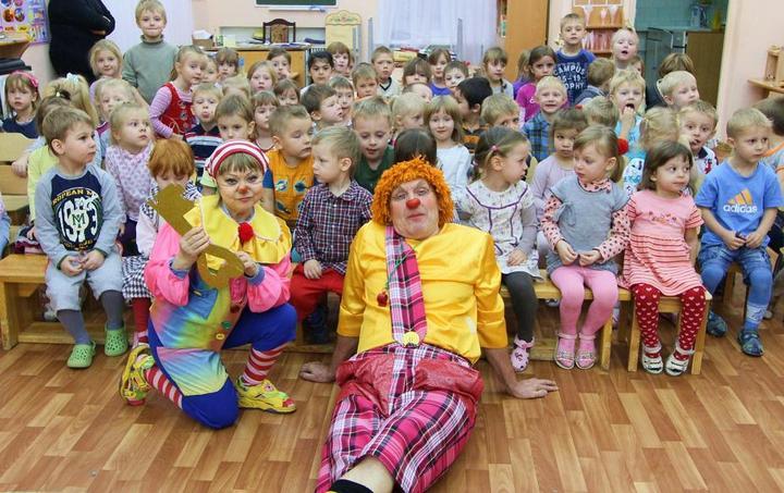 Готовимся к утреннику: конкурсы и детские стихи на 8 Марта! (3)