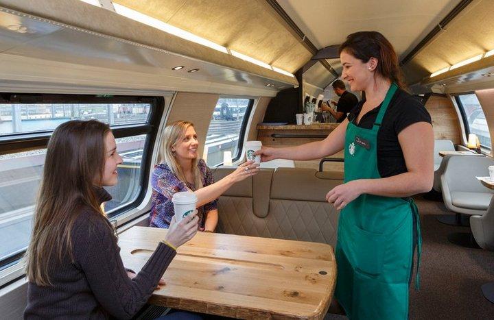 Первый поезд-кофейня Starbucks в Швейцарии (7)