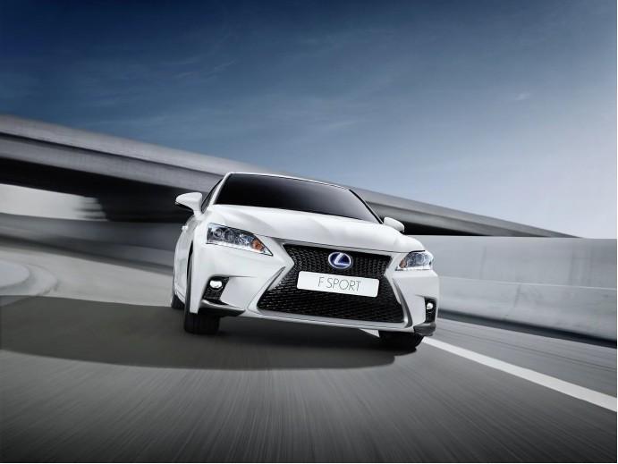 Новый Lexus CT 200h (13)
