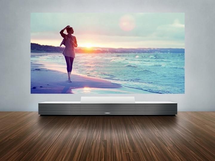 Мультимедийный проектор Sony 4K Ultra Short Throw Projector поступил в продажу (1)