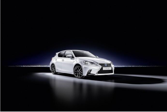 Новый Lexus CT 200h (8)