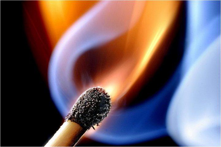 Красивые макрофотографии горящей спички (7)