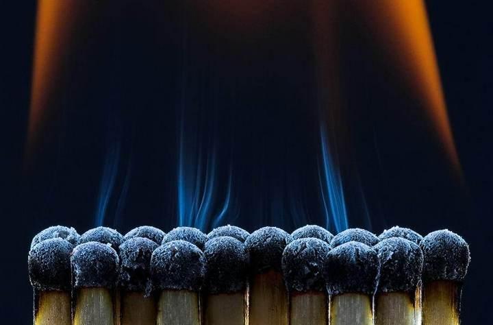 Красивые макрофотографии горящей спички (3)