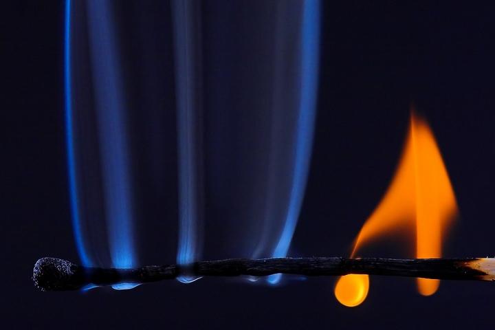 Красивые макрофотографии горящей спички (2)