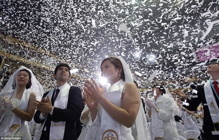 Самая массовая церемония бракосочетания в Южной Корее (13)