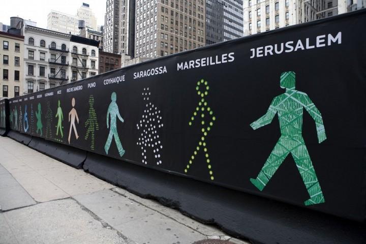 The Walking Men – идущие зеленые человечки со светофоров пешеходного перехода (4)