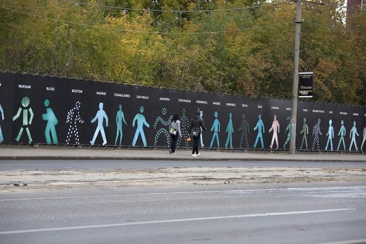 The Walking Men – идущие зеленые человечки со светофоров пешеходного перехода (8)