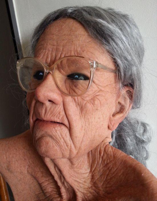 Реалистичная маска старухи (1)