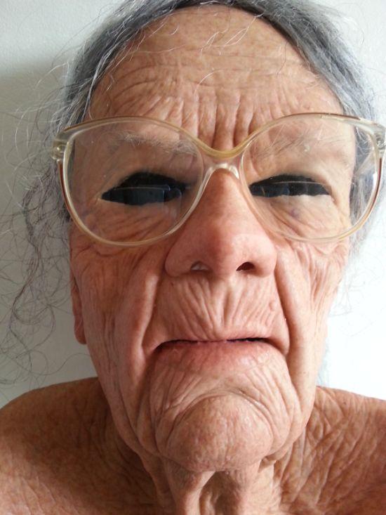 Реалистичная маска старухи (2)