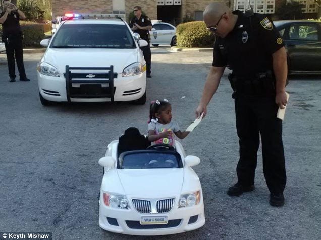 В США оштрафовали ребенка за вождение детского автомобиля (1)