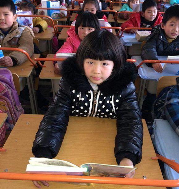 Необычные парты в китайской школе (3)