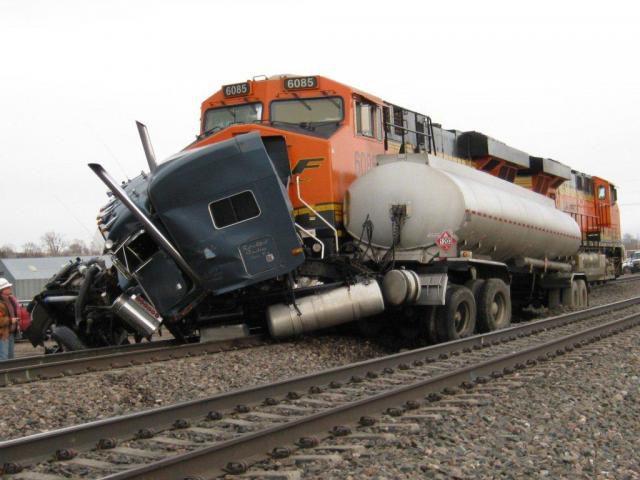аварии на железнодорожных переездах (10)