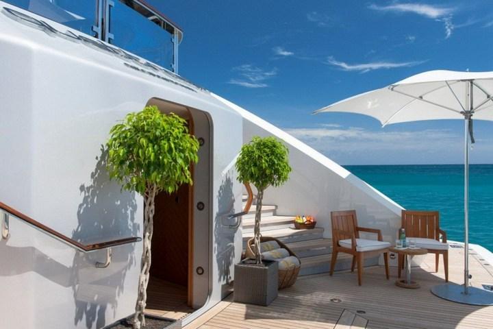 Шикарная яхта за 1.300.000$ в неделю (25)