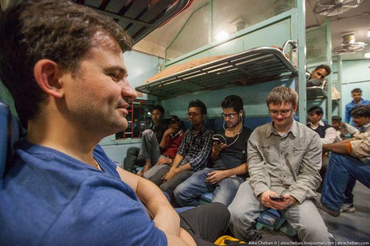 В общем вагоне индийского поезда (7)