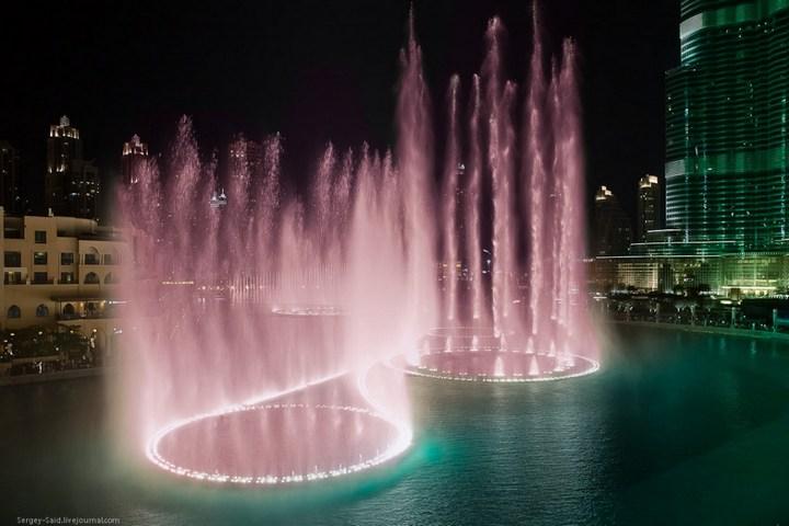 Поющие фонтаны в Дубаи (8)
