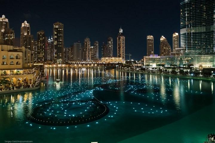 Поющие фонтаны в Дубаи (11)