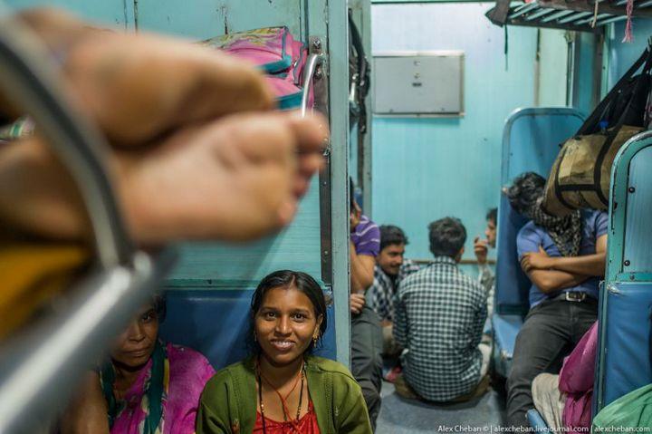 В общем вагоне индийского поезда (12)