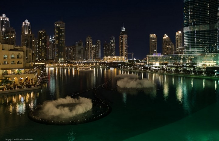 Поющие фонтаны в Дубаи (12)
