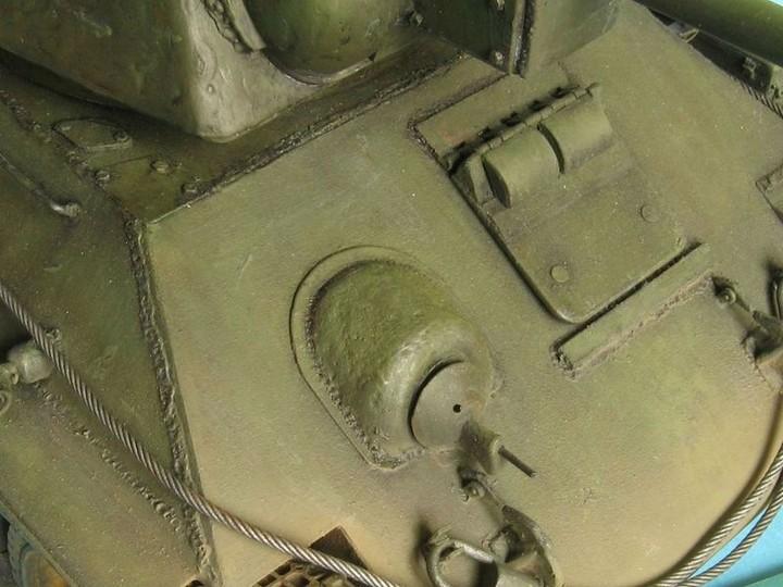 Реалистичная модель танка T-34/76 (14)