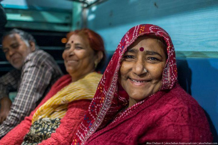 В общем вагоне индийского поезда (15)
