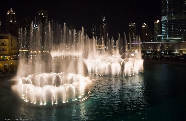 Поющие фонтаны в Дубаи (16)