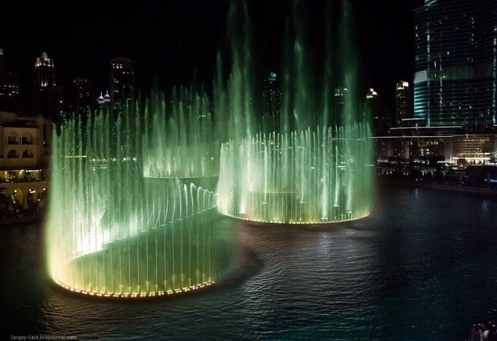 Поющие фонтаны в Дубаи (17)