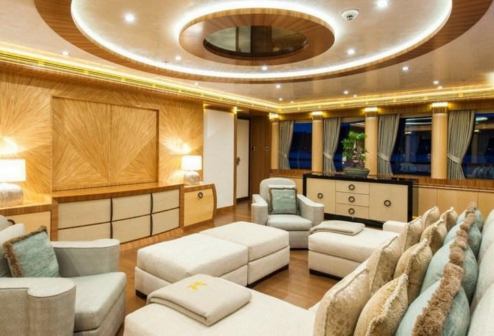 Шикарная яхта за 1.300.000$ в неделю (11)