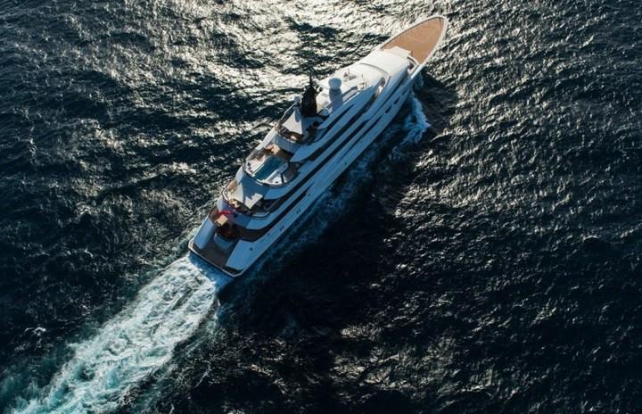 Шикарная яхта за 1.300.000$ в неделю (10)