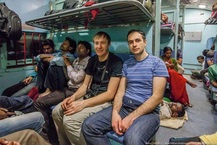 В общем вагоне индийского поезда (21)
