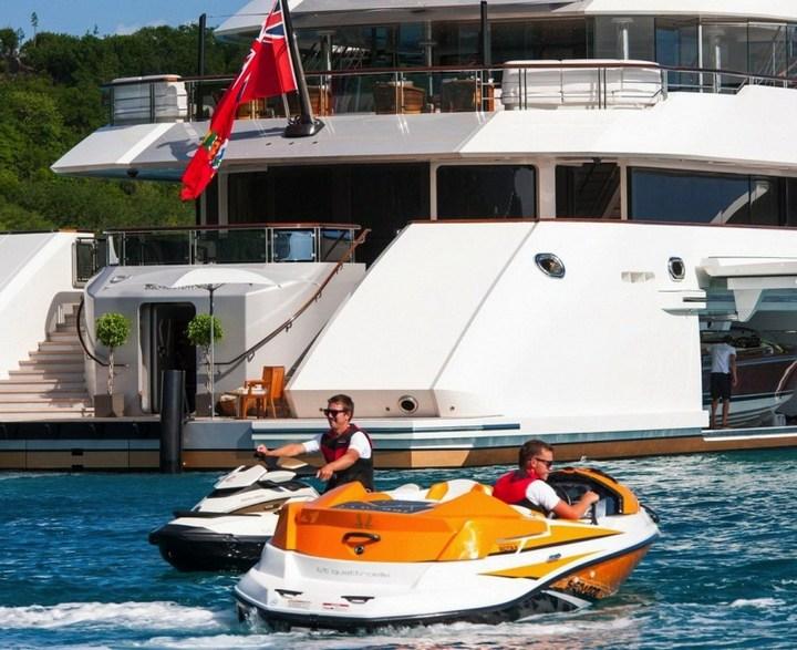 Шикарная яхта за 1.300.000$ в неделю (4)