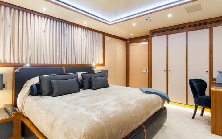 Шикарная яхта за 1.300.000$ в неделю (2)