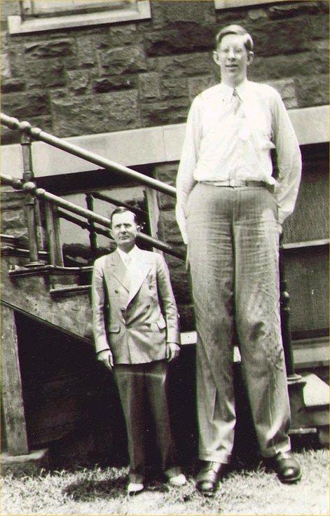 Роберт Першинг Уодлоу — самый высокий человек в мировой истории (1)