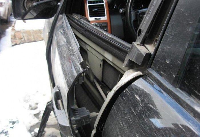 Последствия взрыва газового баллона в автомобиле (1)