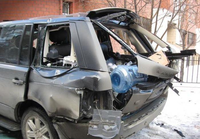 Последствия взрыва газового баллона в автомобиле (3)