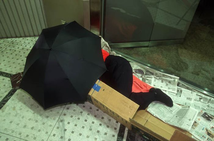Коробочные люди на станции Синдзюку (5)