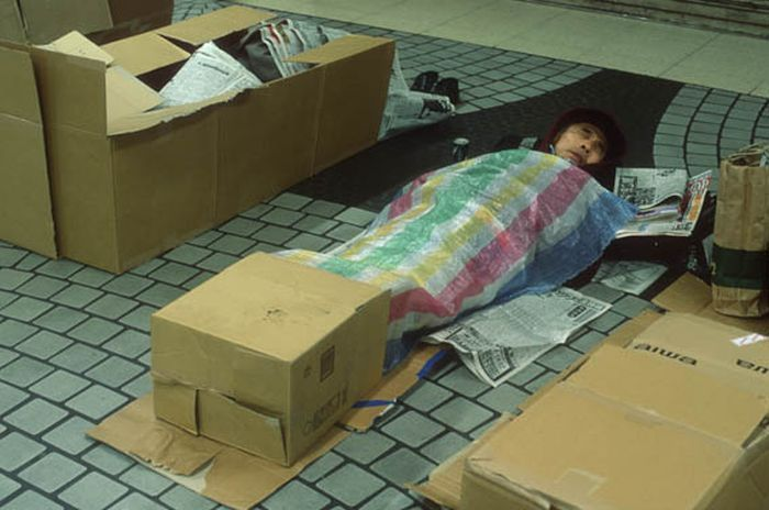 Коробочные люди на станции Синдзюку (3)