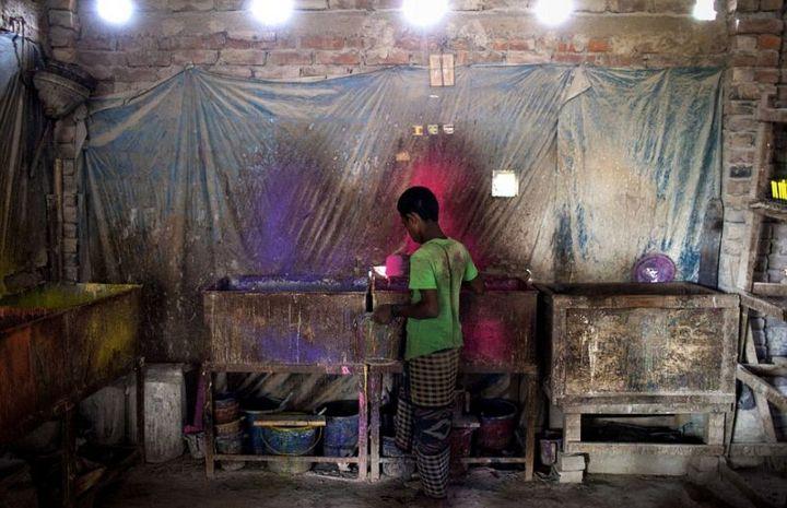 Как делают воздушные шары, Детский труд в Индии (1)