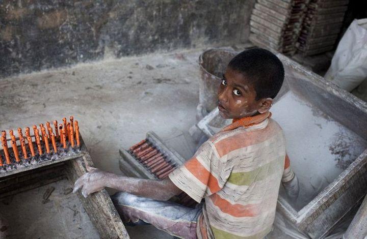 Как делают воздушные шары, Детский труд в Индии (3)