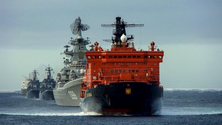 Ледокольная проводка отряда кораблей Северного флота (4)