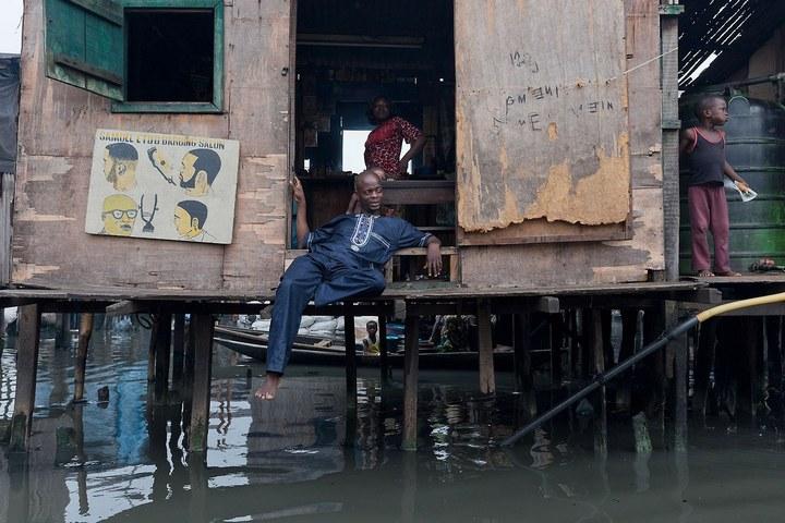 Плавучие трущобы Макоко, Нигерия (7)