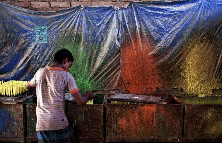 Как делают воздушные шары, Детский труд в Индии (13)