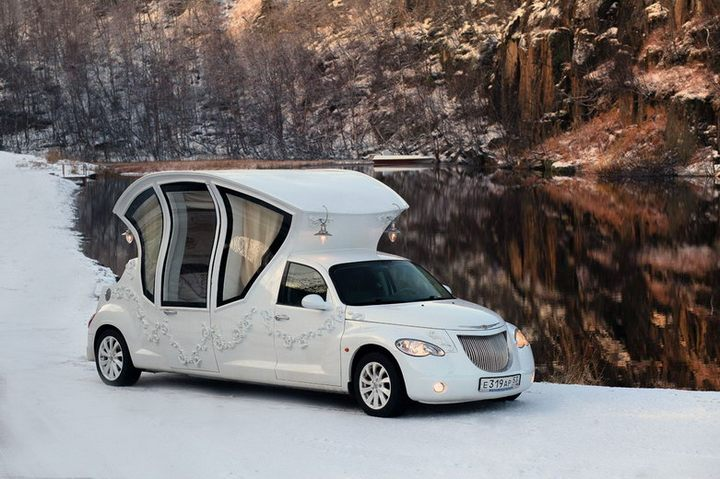 Автомобиль-карета для свадебных торжеств (1)