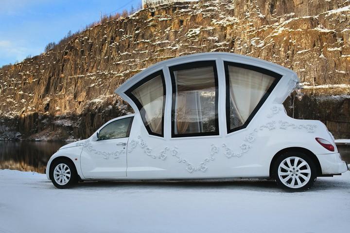 Автомобиль-карета для свадебных торжеств (2)