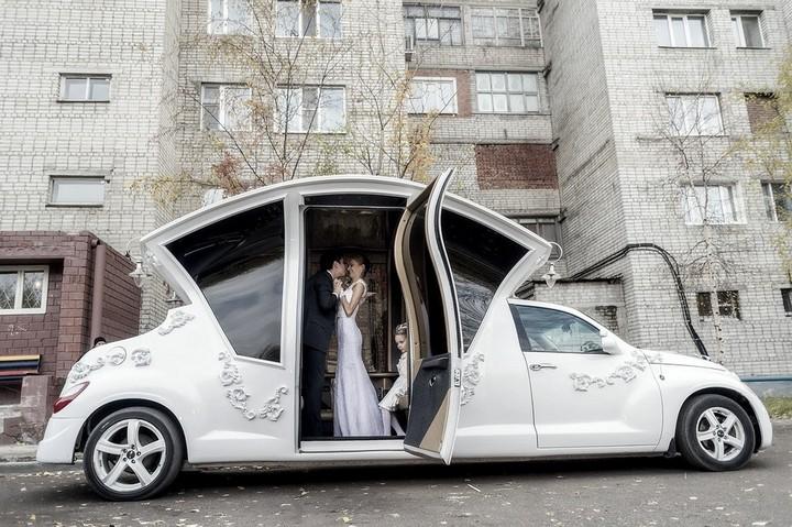 Автомобиль-карета для свадебных торжеств (5)