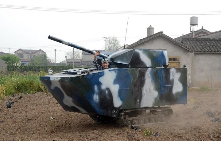 Китаец сделал танк ко дню рождения своего сына (4)